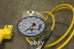 Enerpac P392 Hydraulic Hand Pump 700 Bar/10,000 PSI With RC1014 10 TON Ram
