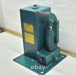 Simplex 160 Hydraulic Hand Pump 148 Cu In Capacity Model No. P160-3