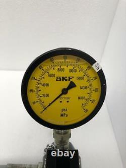 Skf Tmjl 100 Hydraulic Hand Pump 100 Mpa/ 1000 Bar/ 14,500 Psi With Case