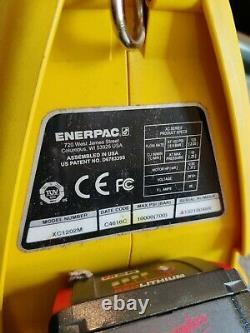 Enerpac Xc1202m Pompe Électrique Hydraulique 3/2 Valve 2ltr 230v Action Unique
