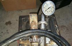 Spx Otc Power Team P460 Hydraulic Hand Pump Manomètre 700 Bar/ 10 000 Psi